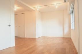 7A ナゴヤマンション今池  無垢の床ナチュラルなホワイトの壁 TOMOS ROOM1