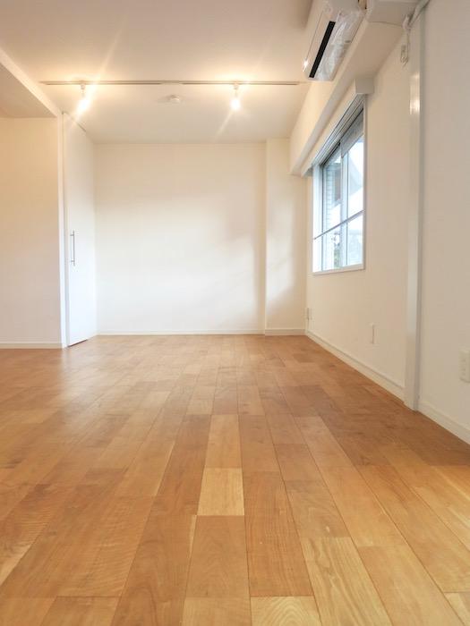7A ナゴヤマンション今池  無垢の床が広がる TOMOS ROOM2