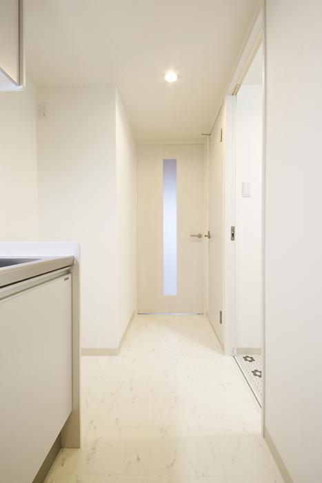 【Gstyle栄東】キッチンからリビングへの廊下_MG_8746