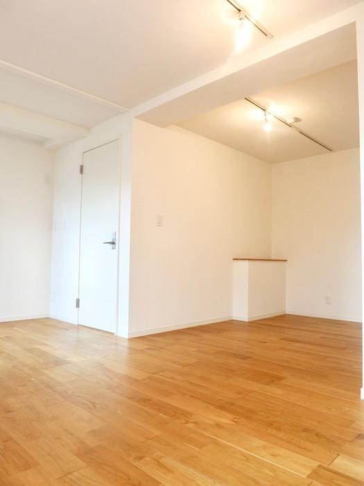 7A ナゴヤマンション今池  無垢の床ナチュラルなホワイトの壁 TOMOS ROOM4