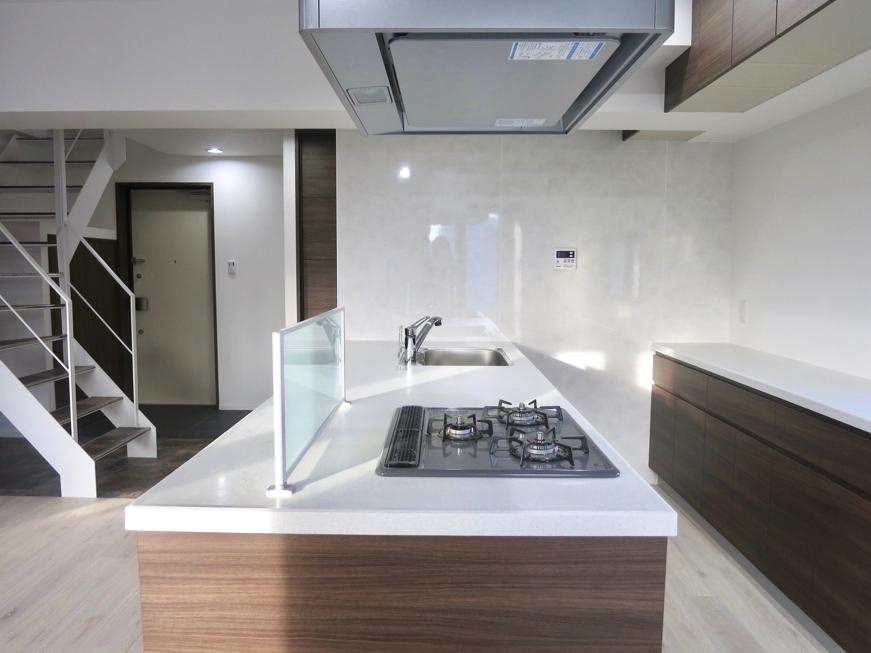 RINASCERE 902号室  とってもワイドでスタイリッシュなキッチン6