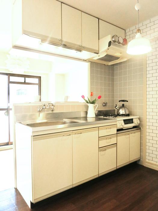 ホワイトレンガが素敵な北欧風キッチン MA MAISON 弐番館1