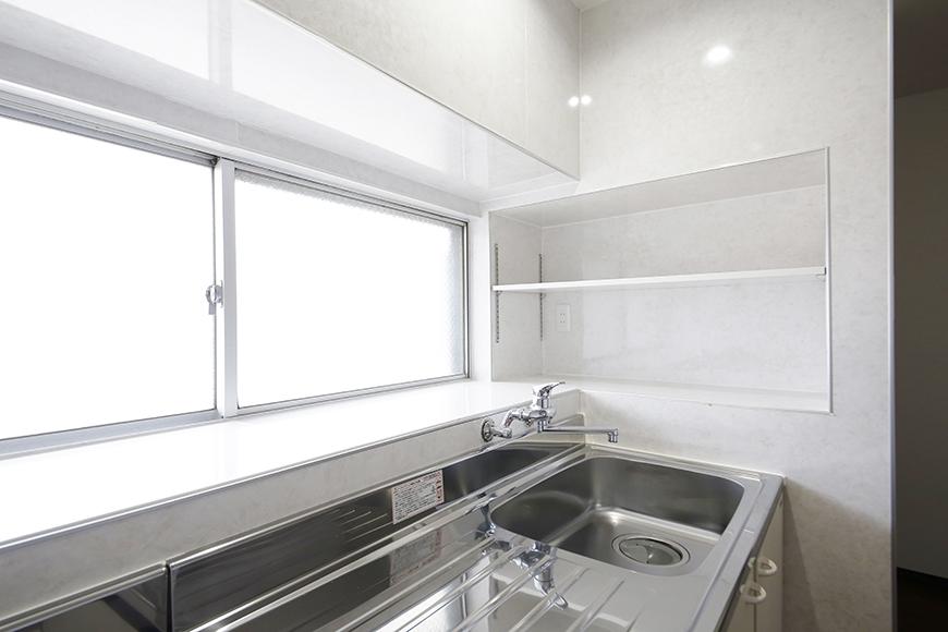 【BELLE PARK FRONT】キッチン_窓も棚もあります!_MG_8274
