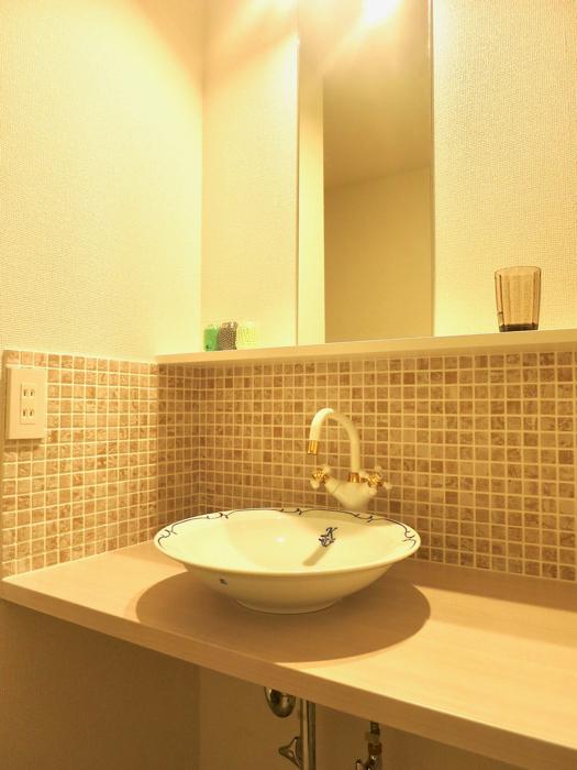 エステート楠 陶器の洗面台とタイルの可愛い水周り サニタリールーム4