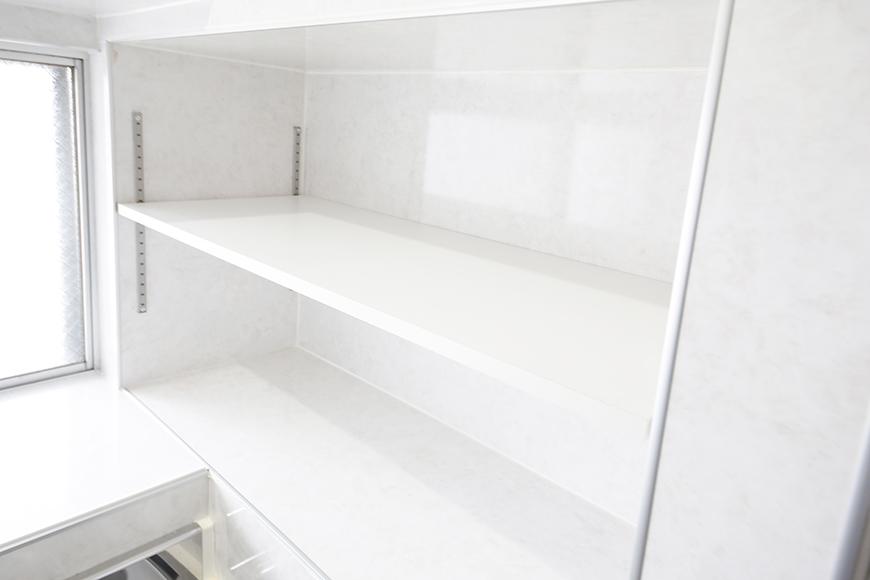 【BELLE PARK FRONT】キッチン_真っ白な棚です_MG_8278