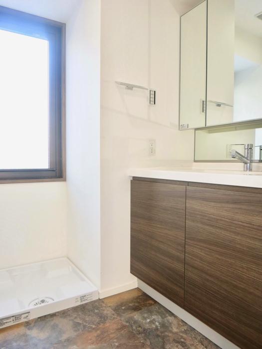 RINASCERE 902号室 2F サニタリールーム&バスルーム1