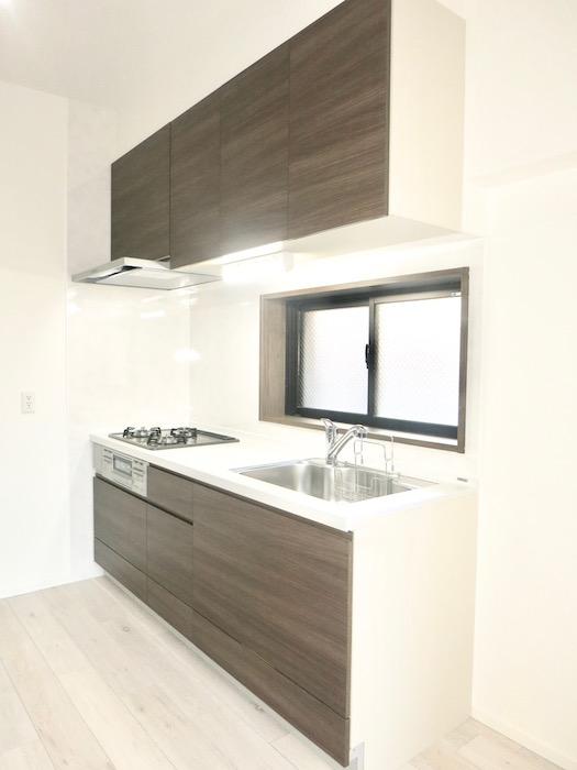 RINASCERE 802号室 12.5帖のLDKと、スタイリッシュなキッチン台 I IMG_2450