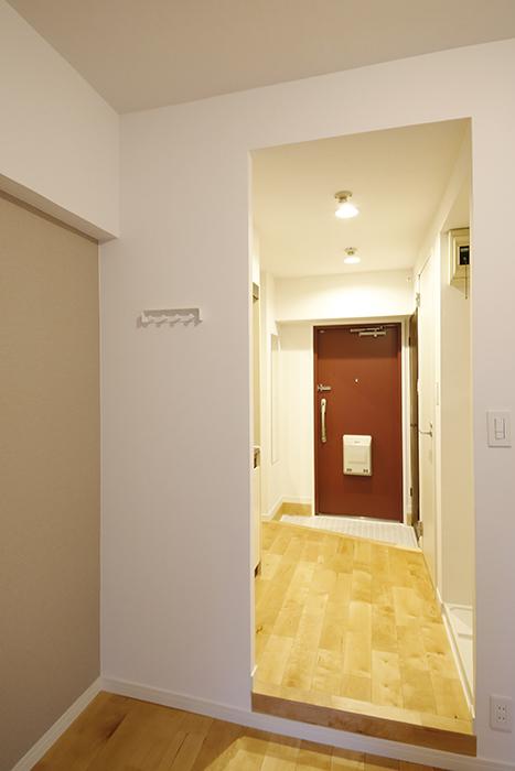 【TOMOS丸の内】洋室から玄関の眺め_MG_7887