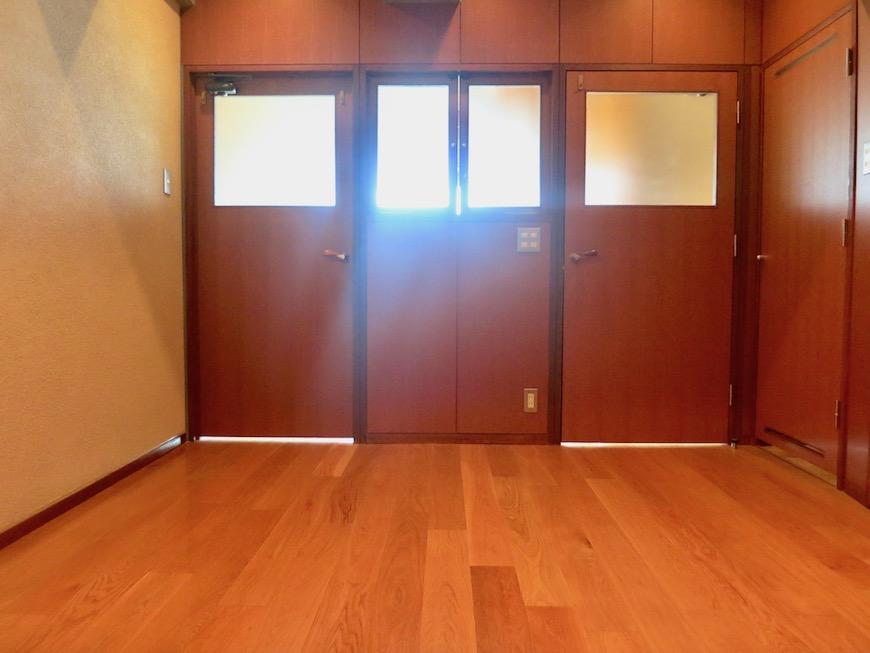 ARK HOUSE SOUTH 6A  2F  落ち着いた雰囲気の洋室。5.4帖2
