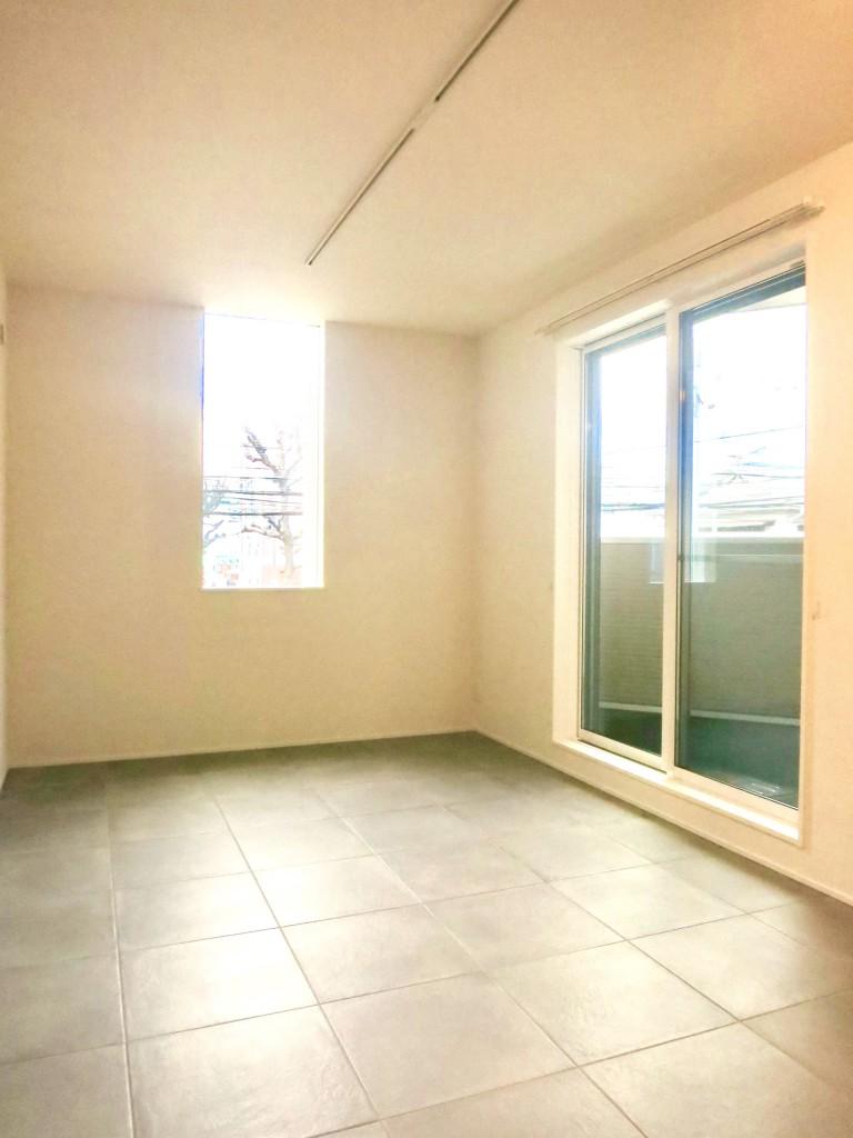コレクション城西 North  201号室 シンプルなモダン空間。4