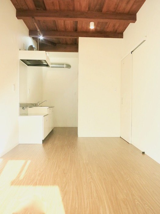 グランスイート黒川テラス 和の天井がかっこいい。101号室9.3帖のLDK IMG_2768