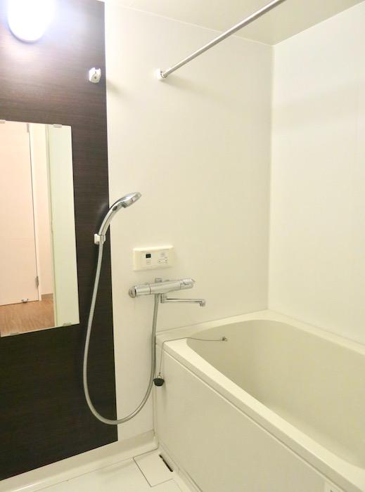 グランスイート黒川テラス103号室。バスルーム。IMG_2711
