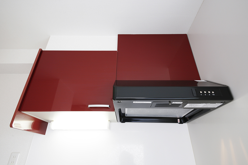 【ZUISEI BLD】キッチン_頭上の収納とレンジフード_MG_2714