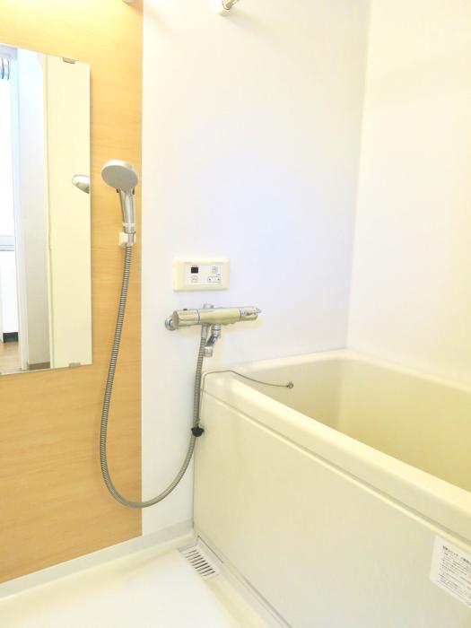 グランスイート黒川テラス 101号室   水周りはシンプルに。2