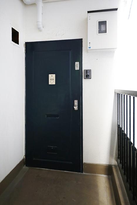 【メゾン千種】玄関_201号室の玄関前_MG_3878