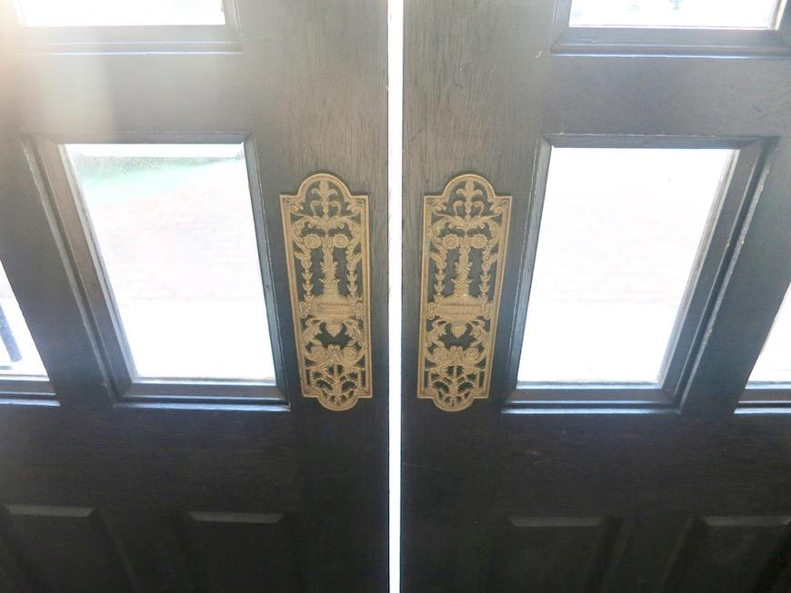MA MAISON 参番館 スイング扉です。共用スペース6