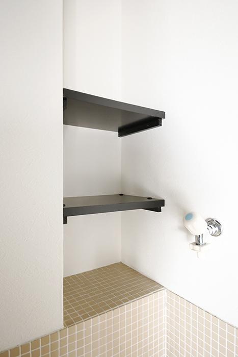 【三鈴ノール】水周り_室内洗濯機置き場上の棚_MG_9929