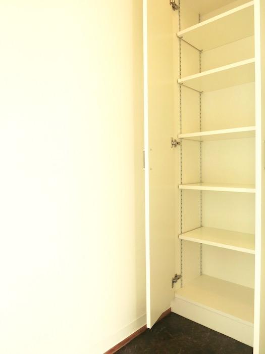 グランスイート黒川テラス103号室。玄関横収納スペース。IMG_2679