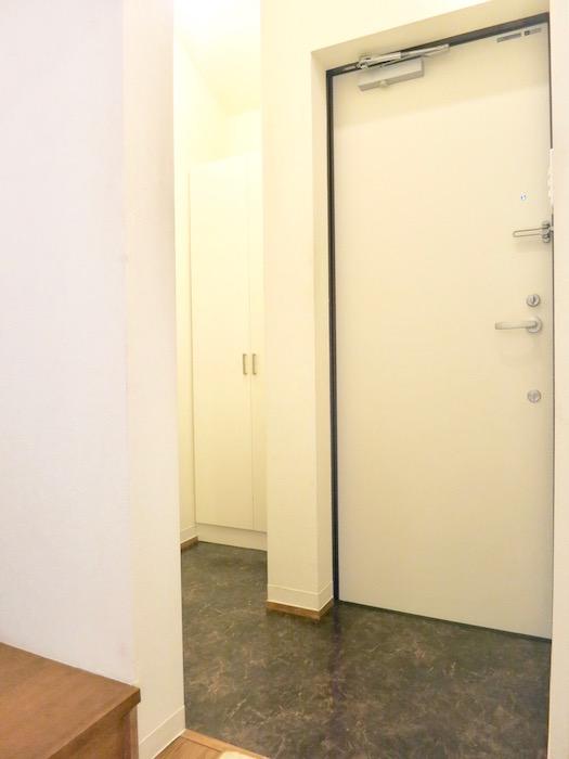 グランスイート黒川テラス 103号室。玄関。IMG_2680