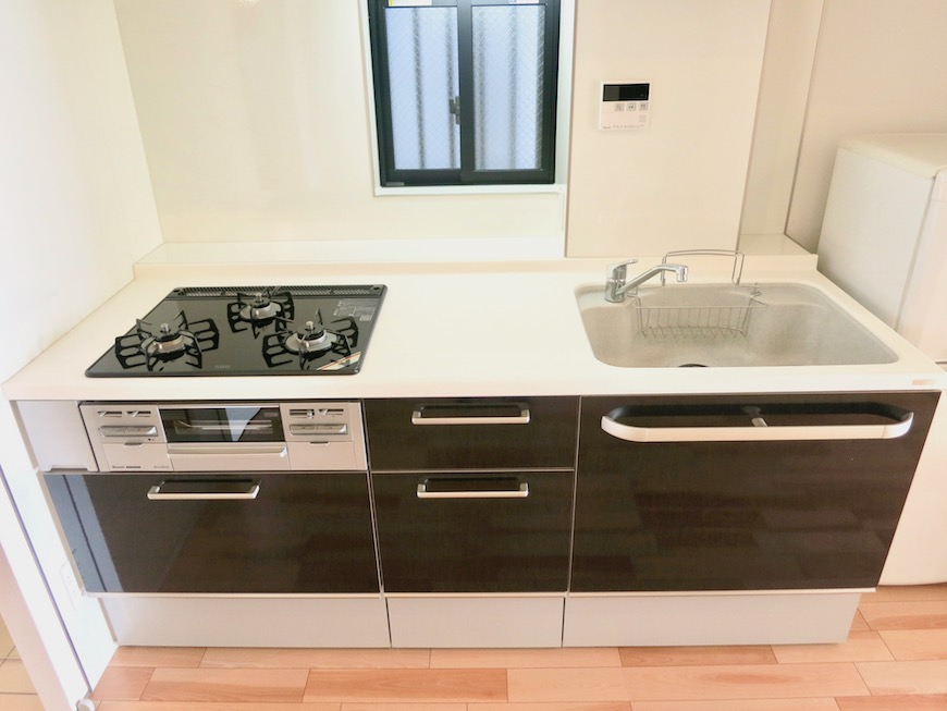 AJUR JOSAI 4A ゆったりワイドなキッチン台。2