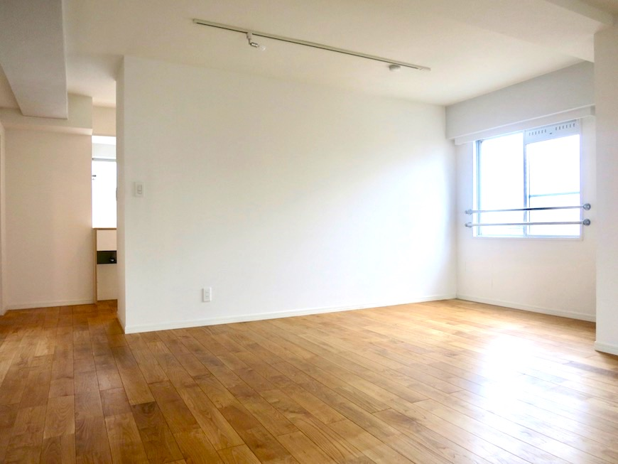 TOMOS Imaike (ナゴヤマンション今池)7B 無垢の床が広がるTOMOSのお部屋。1