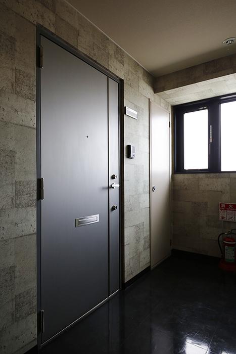 【スクエア・アパートメント】907号室_玄関_MG_2992