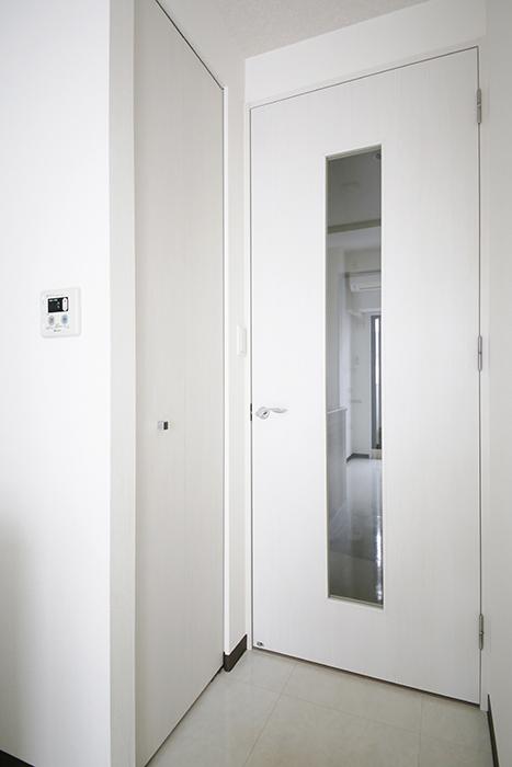 【スクエア・アパートメント】洋室_収納_MG_3181