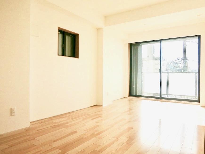 AJUR JOSAI 4A 8.9帖の洋室。明るくてスマートな空間ですIMG_3633 2