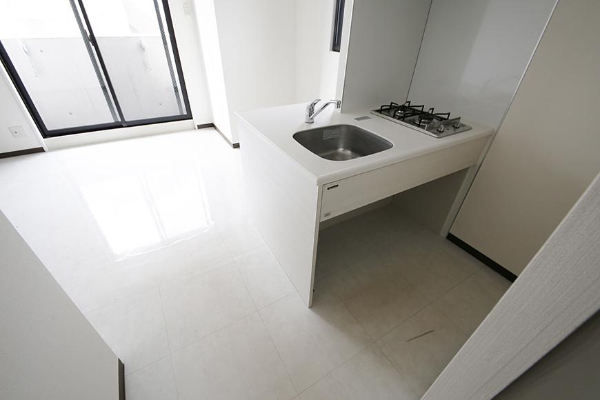 【スクエア・アパートメント】キッチン・洋室_MG_3053