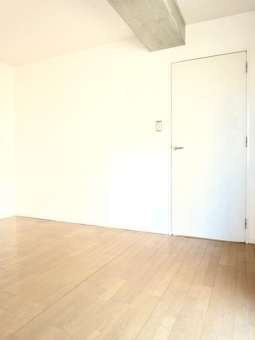 Ns21 やごと 6帖の洋室。5