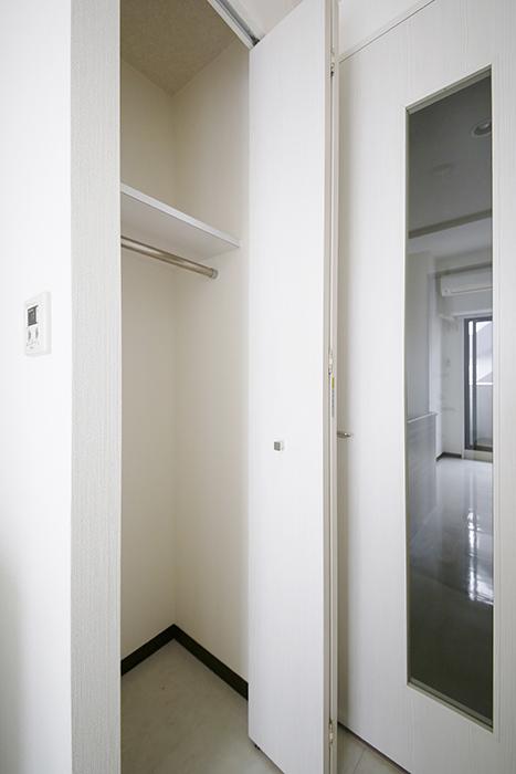 【スクエア・アパートメント】洋室_収納_MG_3200