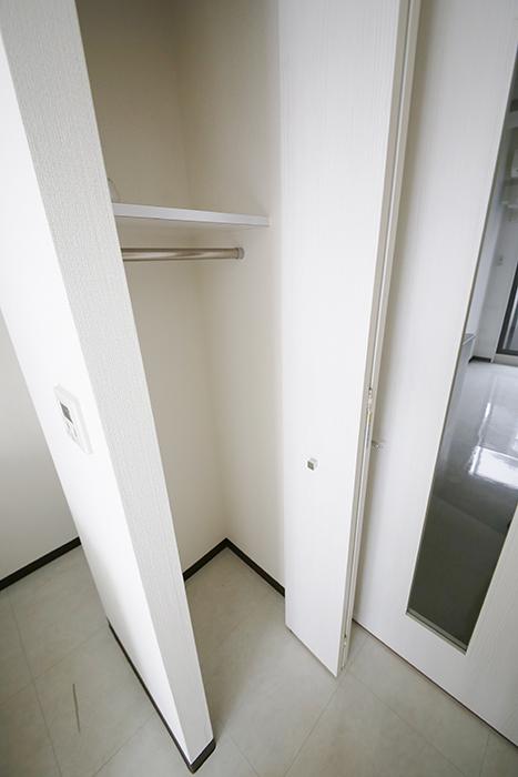 【スクエア・アパートメント】洋室_収納_MG_3186