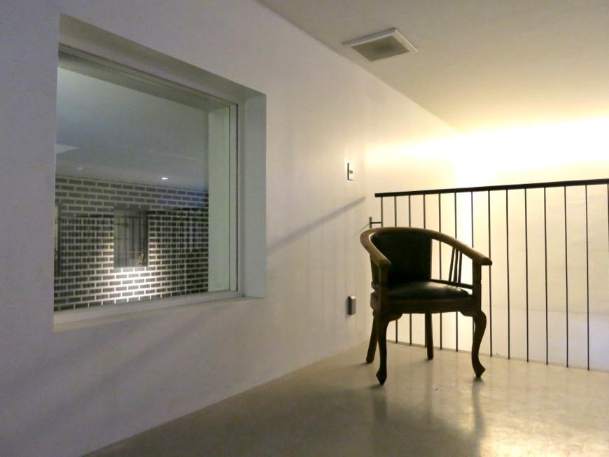 FLATS GAZERY 外観・共用 美しく秩序のある空間。2階ラウンジ。