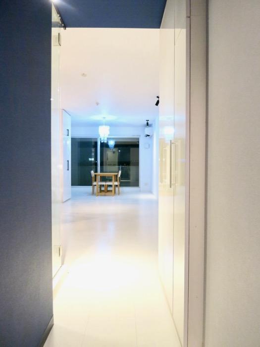 FLATS GAZERY 409号室。光とグランブルーが美しいお部屋。6