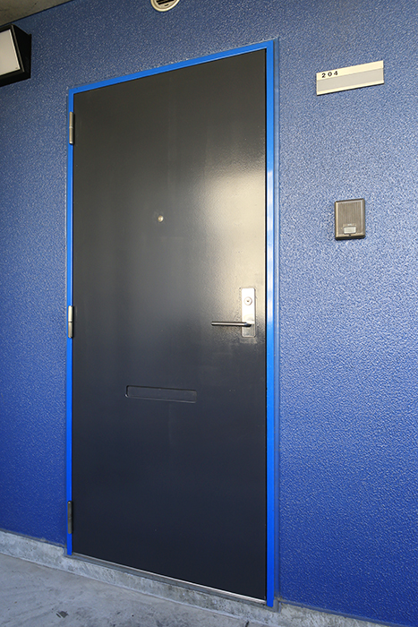 【Space T】玄関_青いフレーミングのお部屋です!_MG_0117