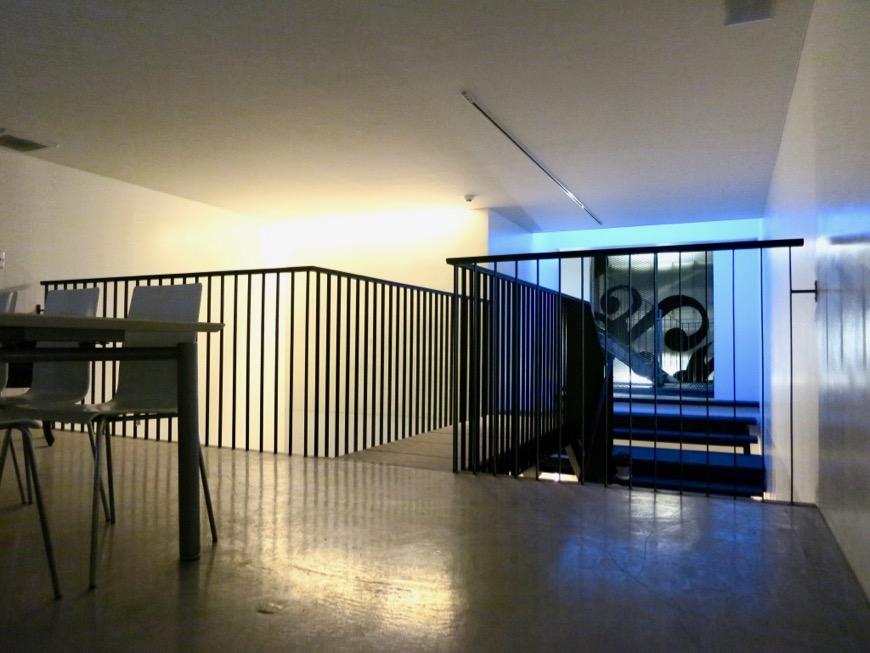 FLATS GAZERY 外観・共用 クリエイティブな打ち合わせはここで。2階ラウンジスペース。2
