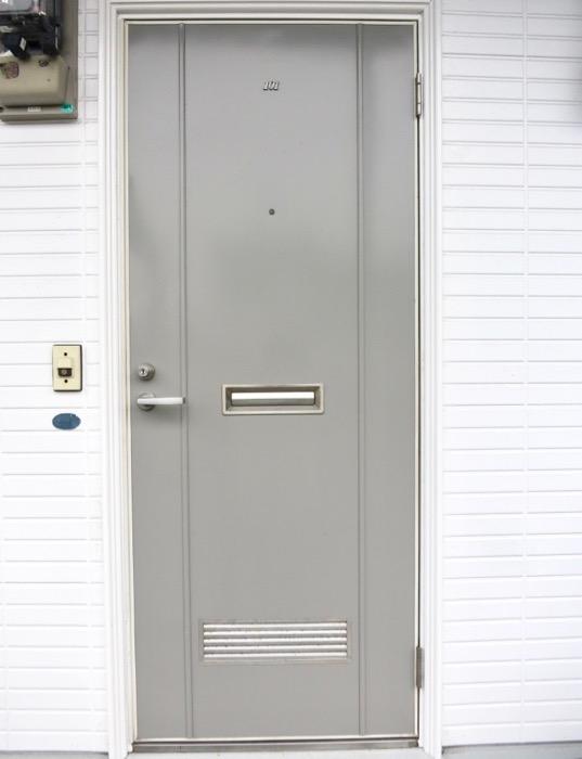 WING COURT 外観 チョコレートのパッケージのようなWING COURTの扉 101号室  0