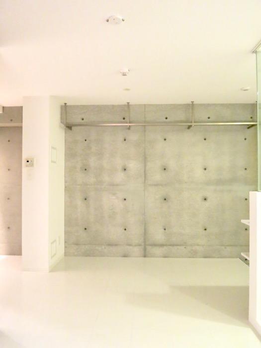 FLATS GAZERY 603号室  コンクリートがかっこいいフリースペース。どこを見ても美しい空間です。22