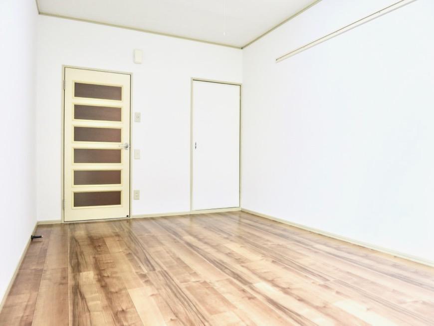 WING COURT 105号室  ちょっぴりヴィンテージ感があるクッションフロア。2