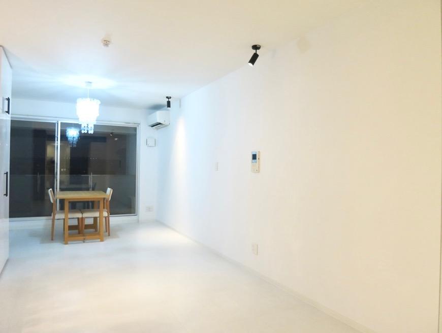 FLATS GAZERY  409号室。限りなく・・・透明なブルーが広がる空間。6