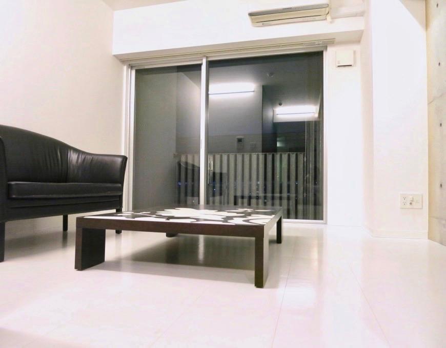 FLATS GAZERY 603号室  どこを見ても美しい空間です。白が際立つお部屋。