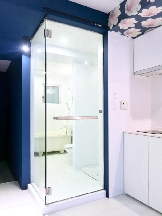 FLATS GAZERY 409号室 スタイリッシュなバスルームの入り口。28