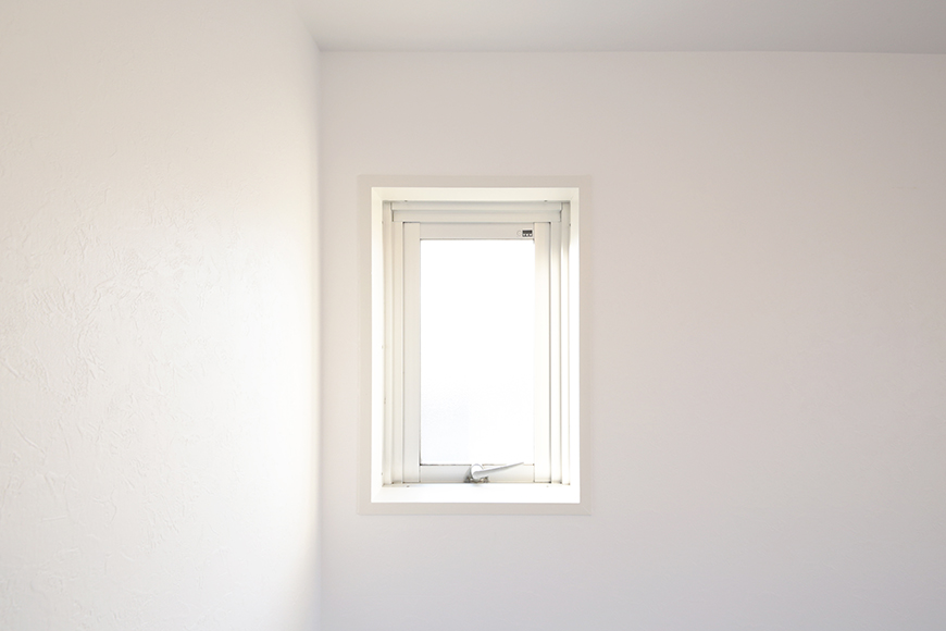【牧の原ビル_505】洋室_角部屋なので窓は二つ_MG_8350