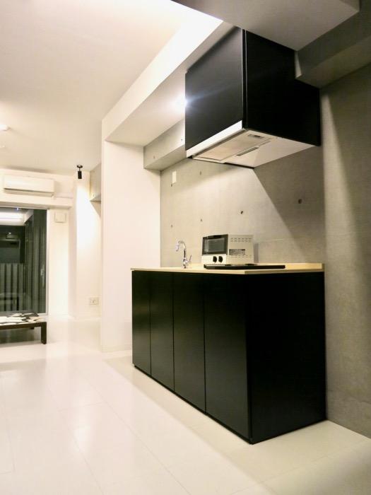 FLATS GAZERY 603号室  深く綺麗な黒いキッチン台。