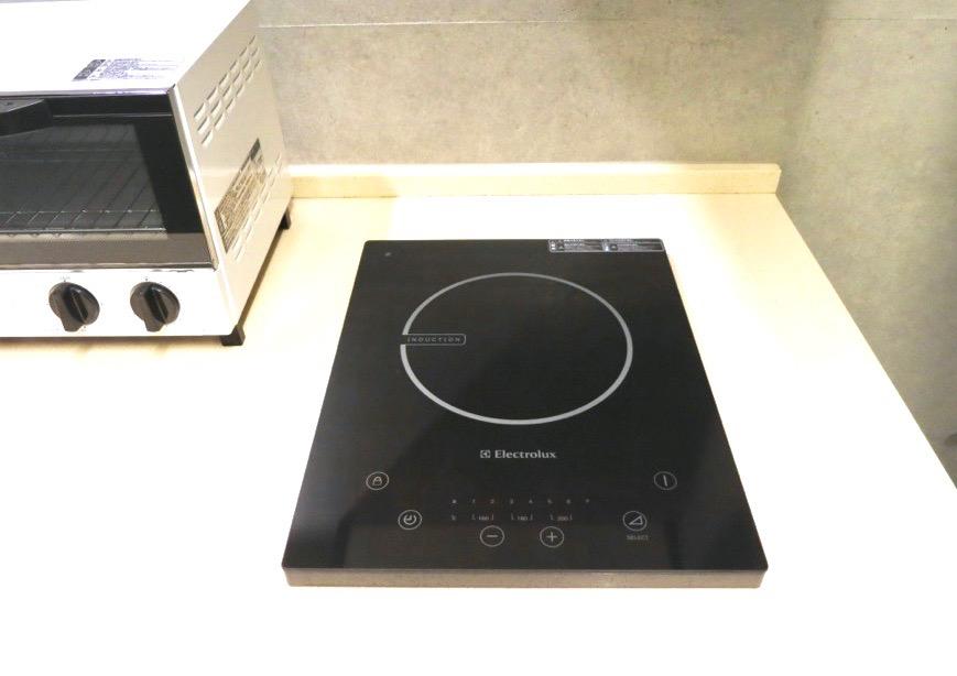 FLATS GAZERY  603号室 キッチンスペース。IHコンロ。