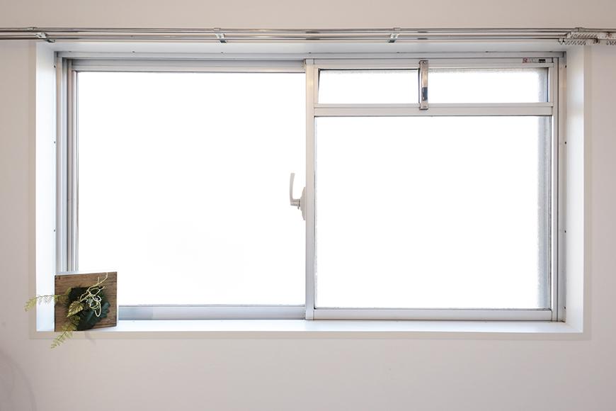 【牧の原ビル_505】洋室_角部屋なので窓は二つ_MG_8354