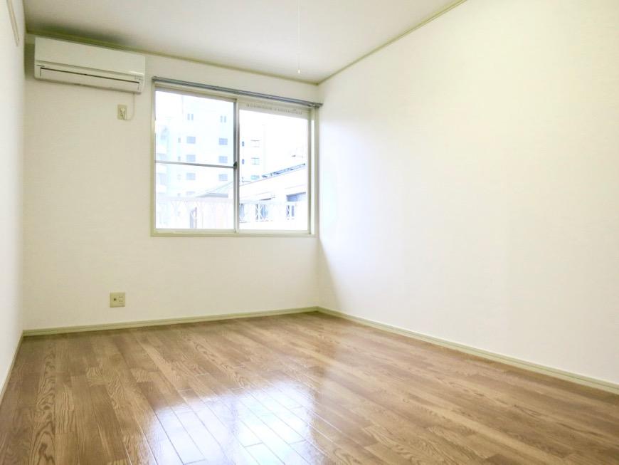 WING COURT 207号室  落ちついた雰囲気のクッションフロアです。1