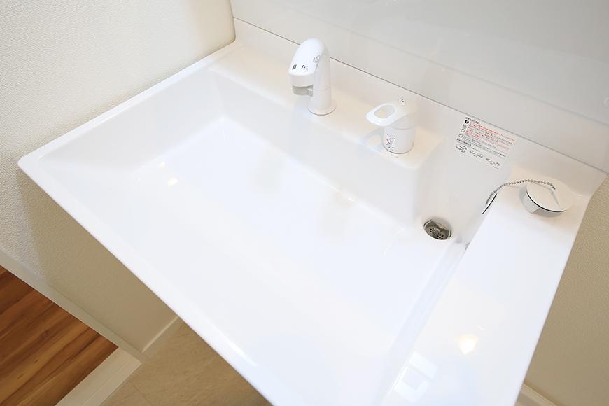 【TOMEI BASE】303号室_水周り_独立洗面台_MG_1907
