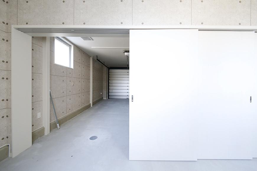 【ガレージハウスCUBE】A1_ガレージ_サービスルーム_MG_8039