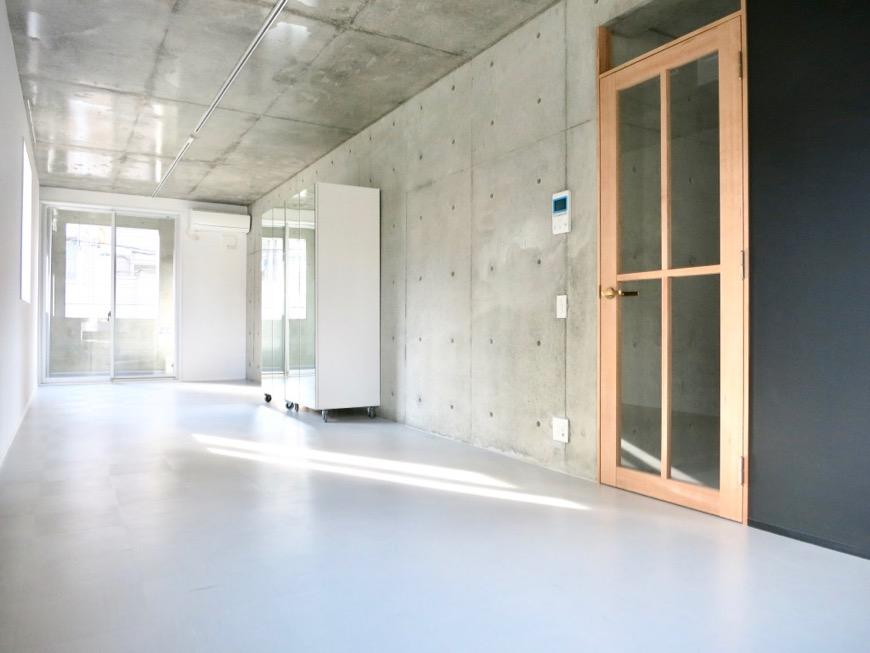 白壁ふたば荘 Dtype B type ギャラリーぽいシンプルクールな空間。
